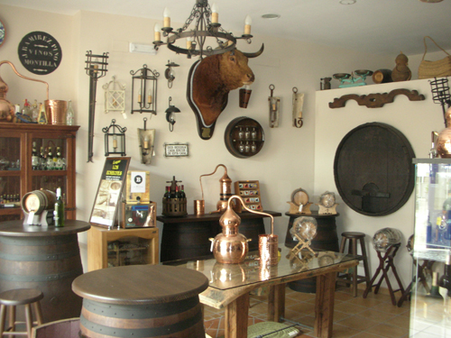 Todobodega tienda virtual de alambiques barricas - Como decorar una bodega rustica ...